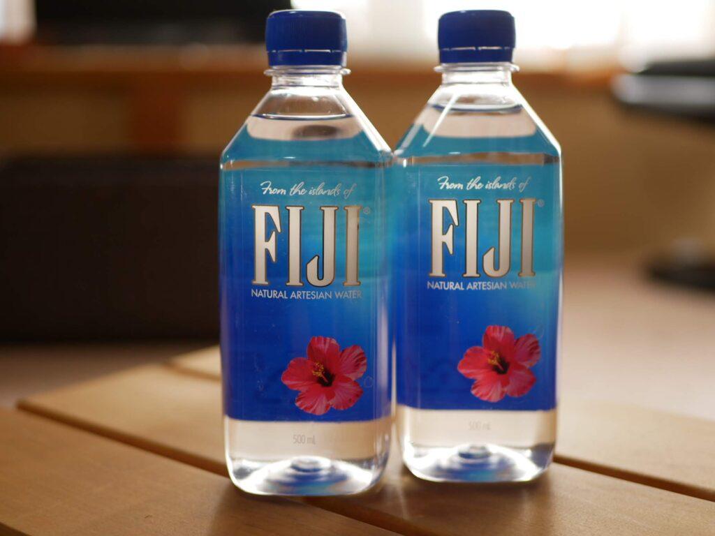 ペットボトルのおいしい水 結構高いです・・
