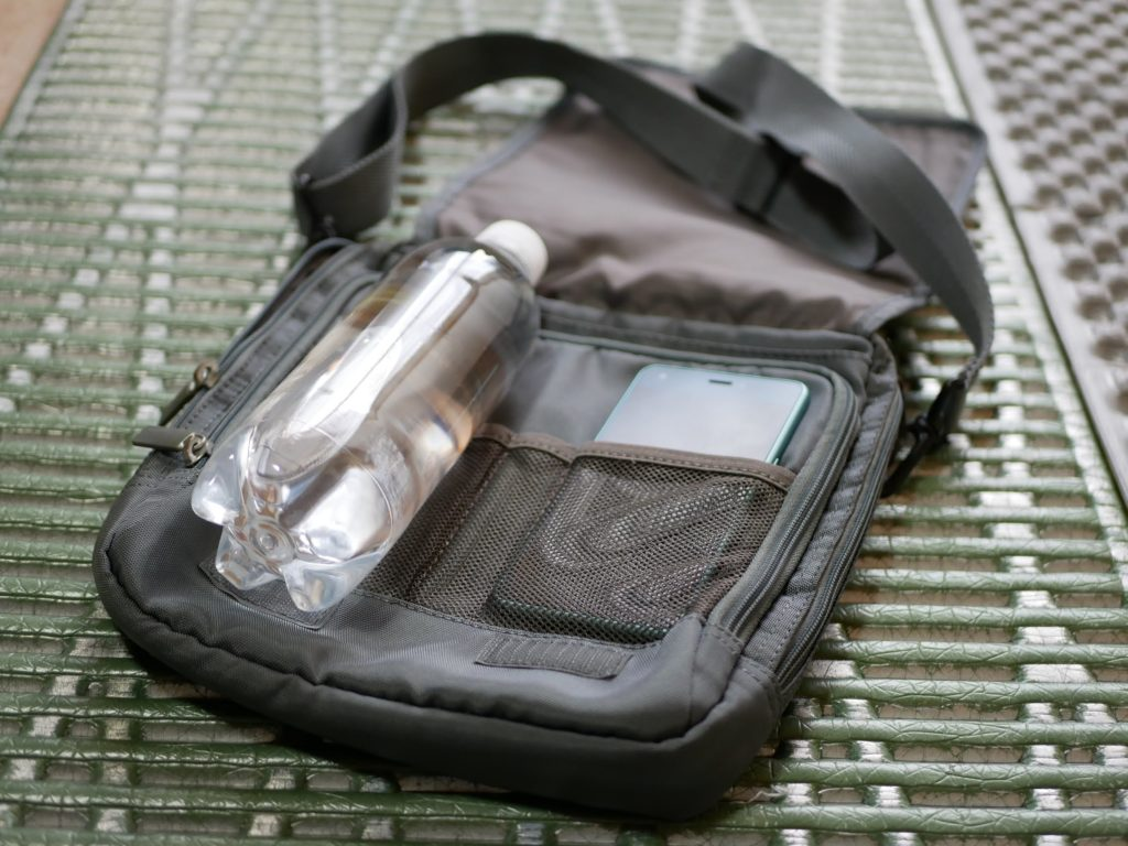 サムソナイトの小型バッグ 便利です。