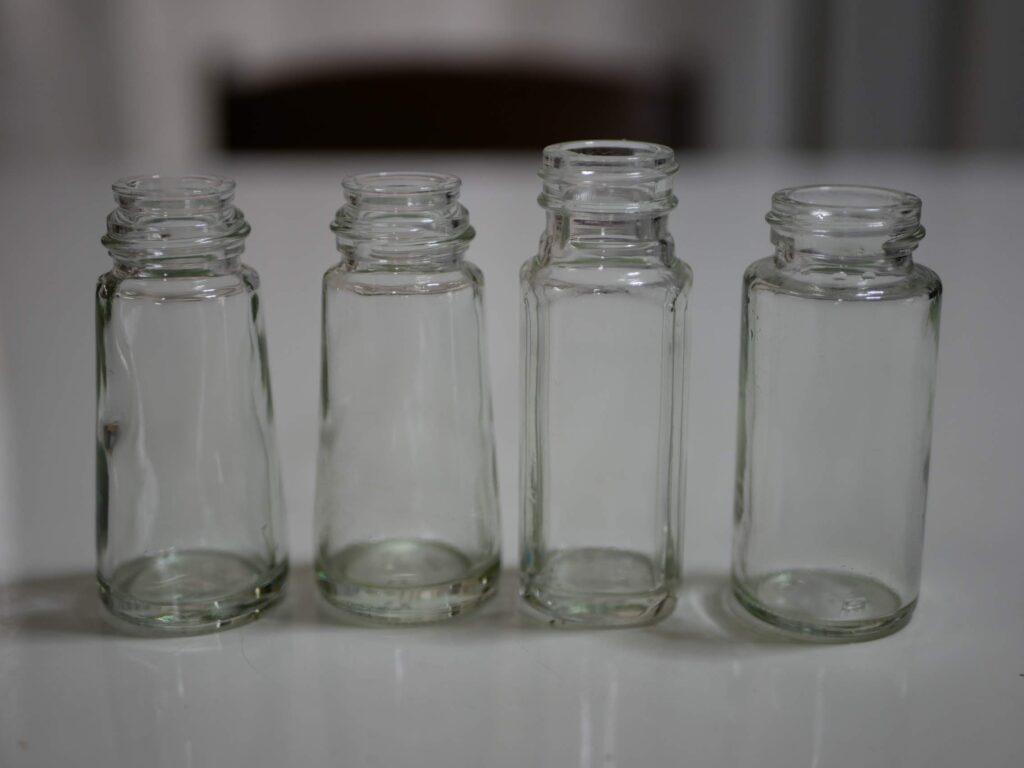 調味料の小瓶