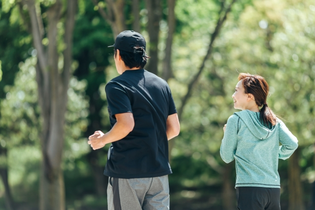 ウォーキングは簡単で健康維持ができる