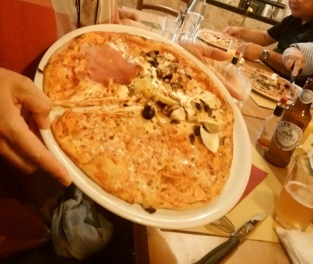 ナポリのピザ 1人分